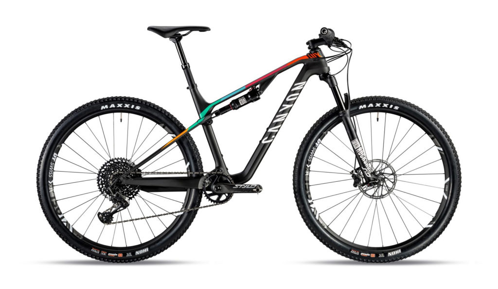 LUX CF SL 8.0 Pro Race - Attack Black - 3.699,00 €
