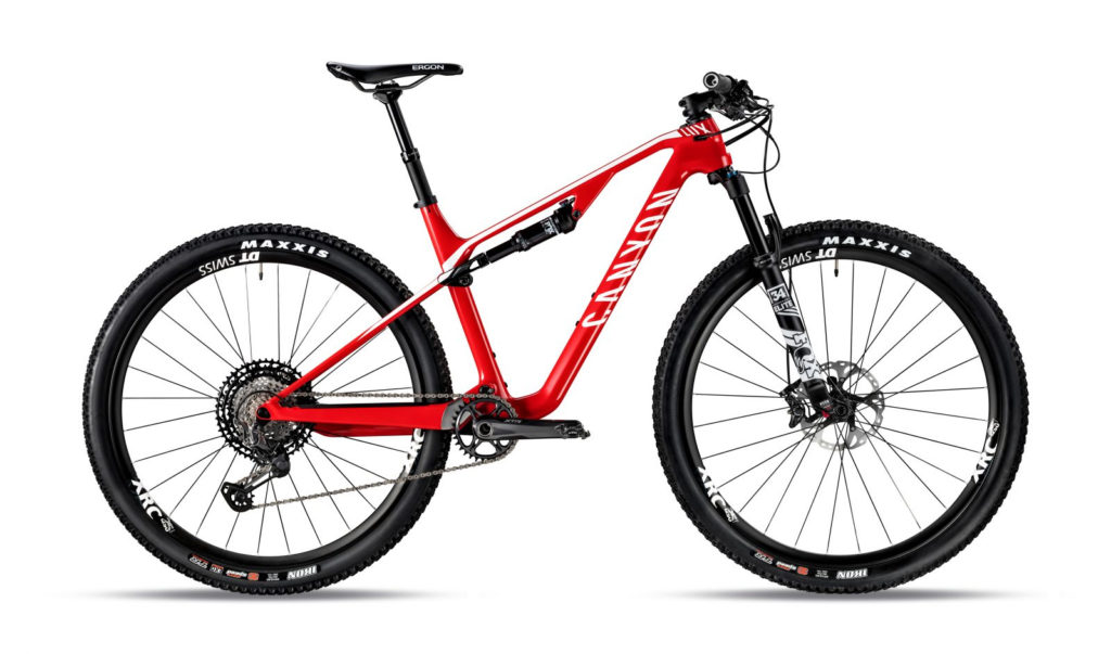 LUX CF SL 8.0 Race Team - Radical Red - 4.599,00 €
