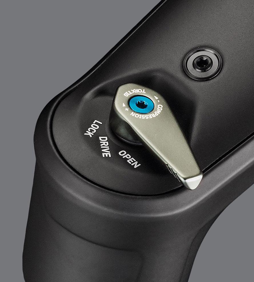 La leva della compressione con le tre posizioni Lock, Drive e Open