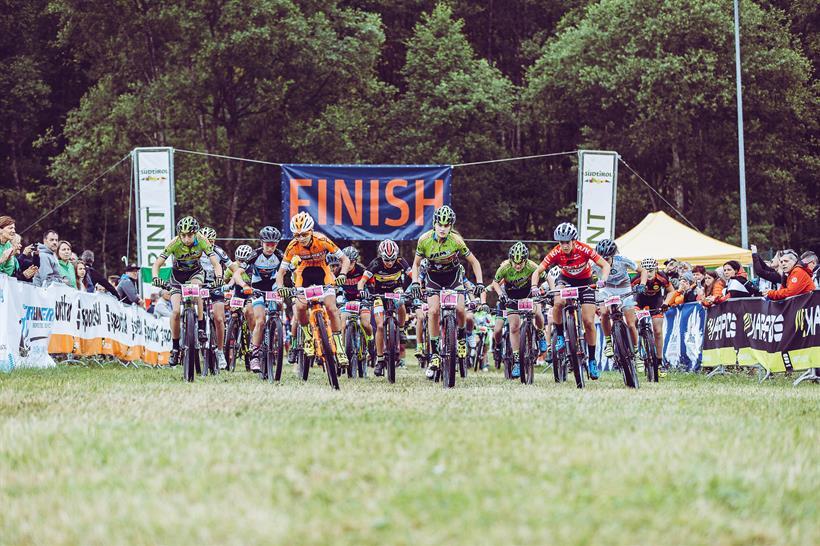 La tappa della Coppa italia Giovanile XCO in Val Casies