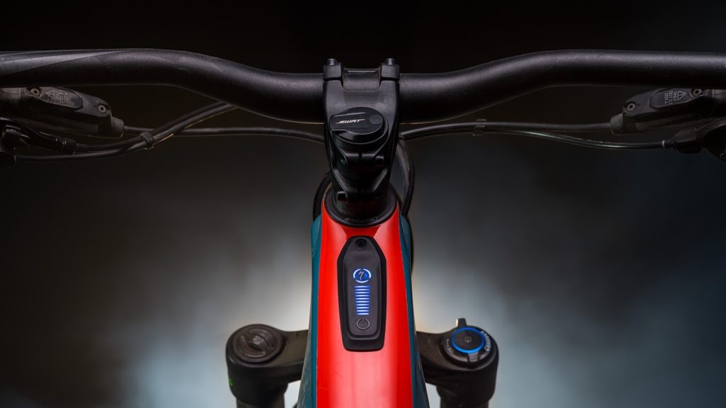 Il nuovo Turbo Connect Unit, ora sul top tube.