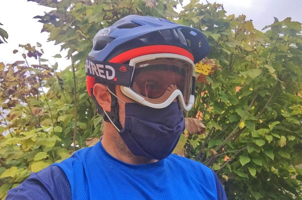 Mascherina in bici