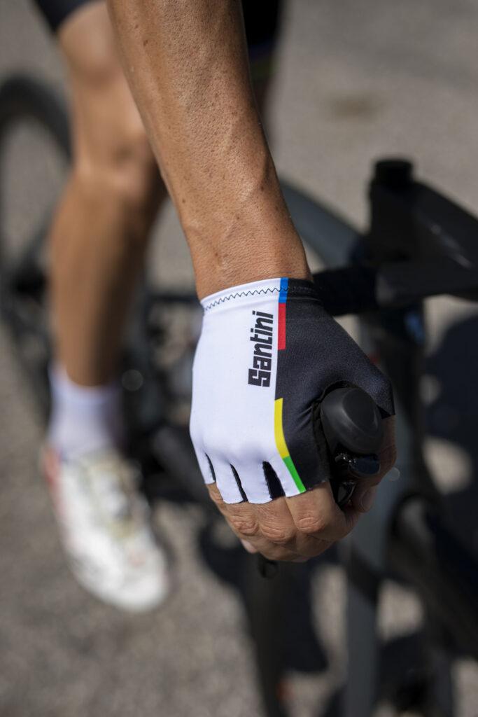 Santini e UCI per Decathlon