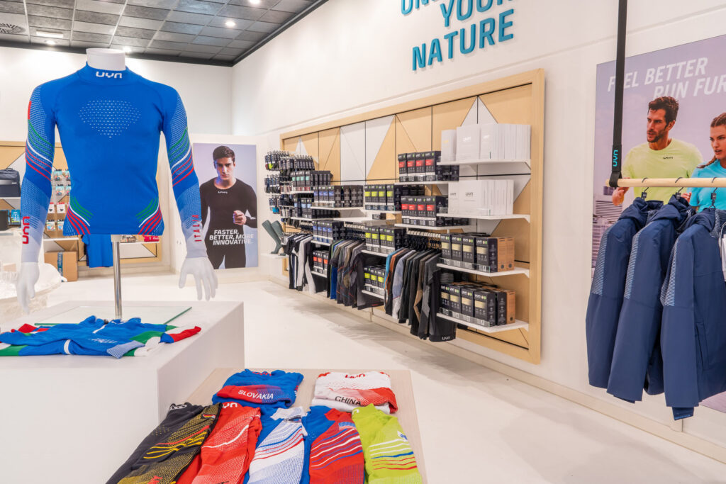UYN Experience Store