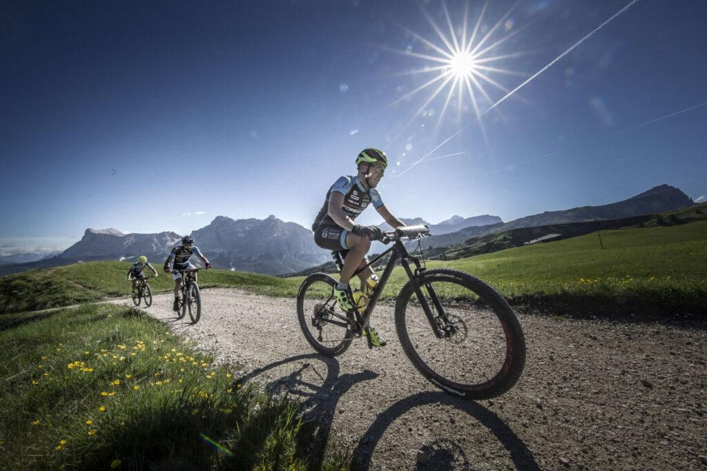 Breitling con BMW HERO Südtirol Dolomites 2021