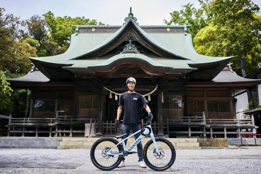 Tomomi Nishikubo con Canyon